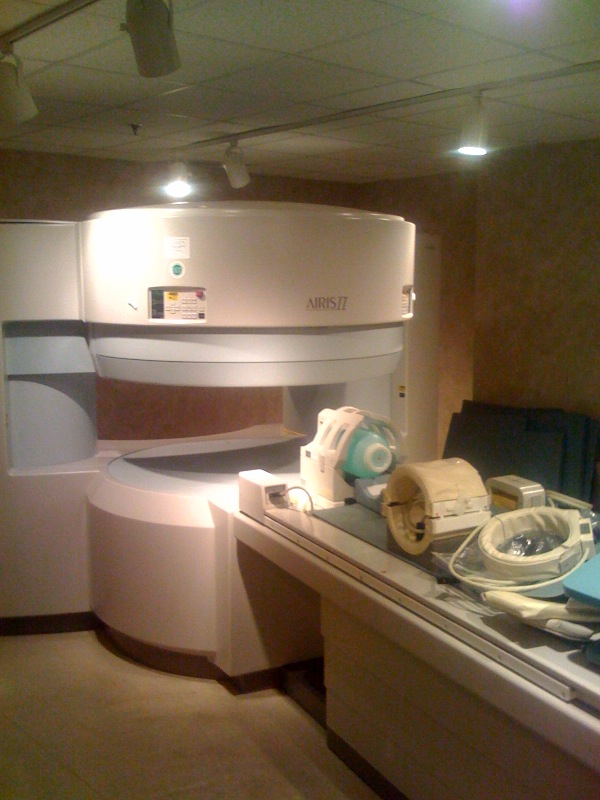 2002 Hitachi Airis II  Open MRI